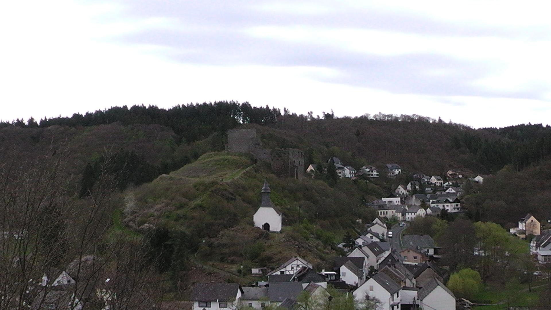 101-blick-auf-die-ruine-virneburg