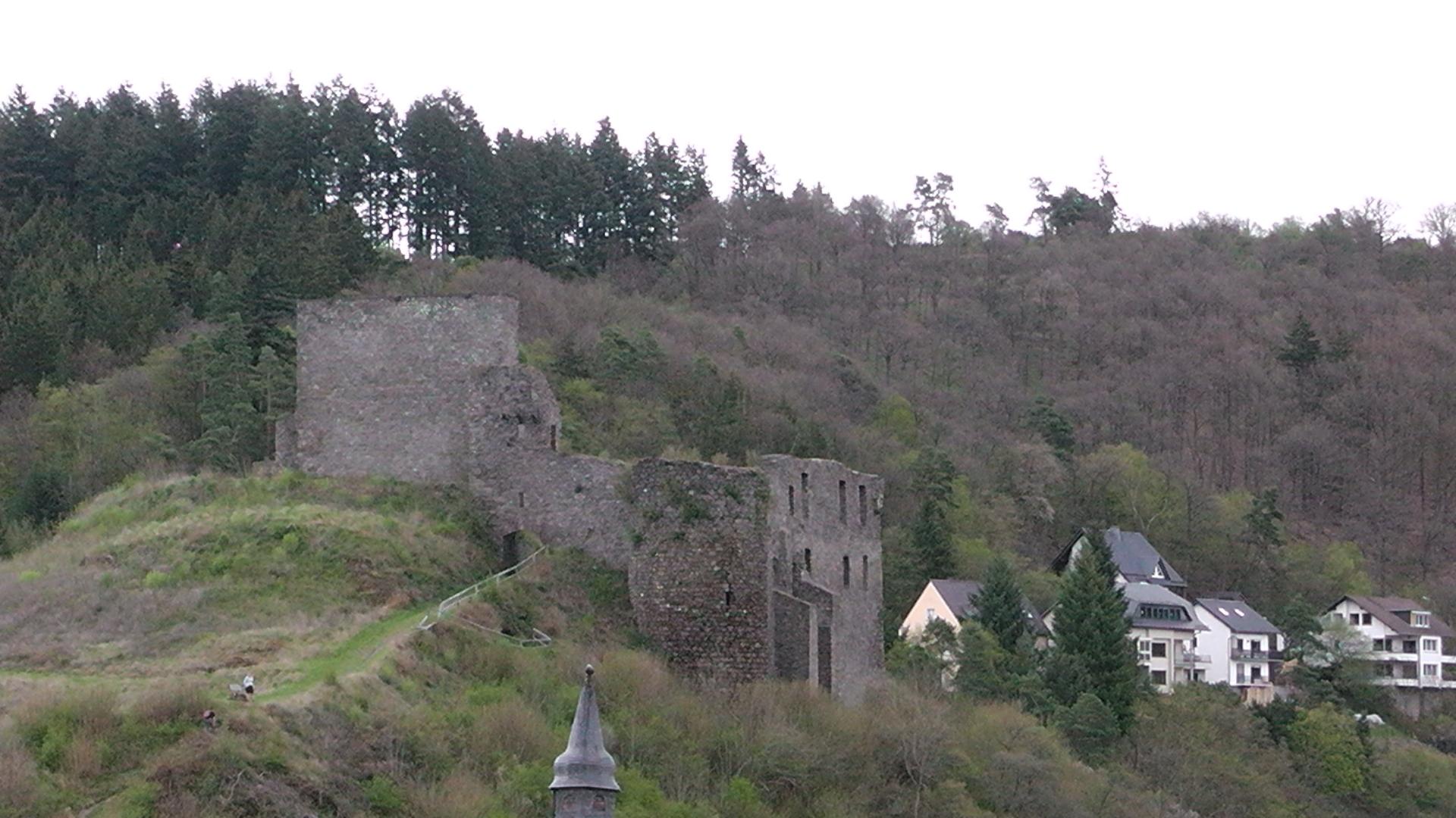 98-blick-auf-die-ruine-virneburg